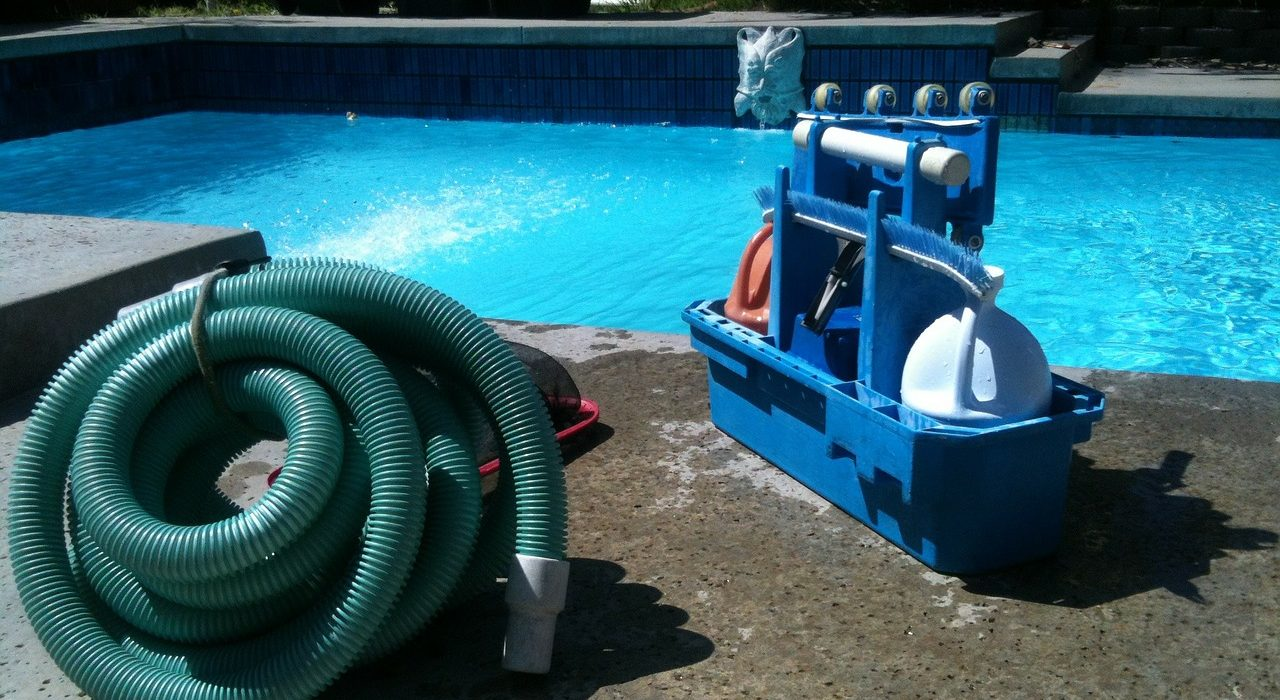 Choosing a Pool Cleaning Service - pH Balanced Pool Service